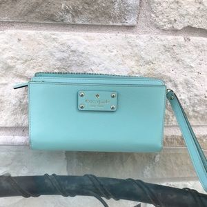 Barely used Kate Spade wallet clutch